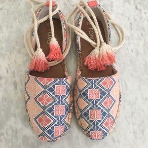 Toms shoes Size 6.5